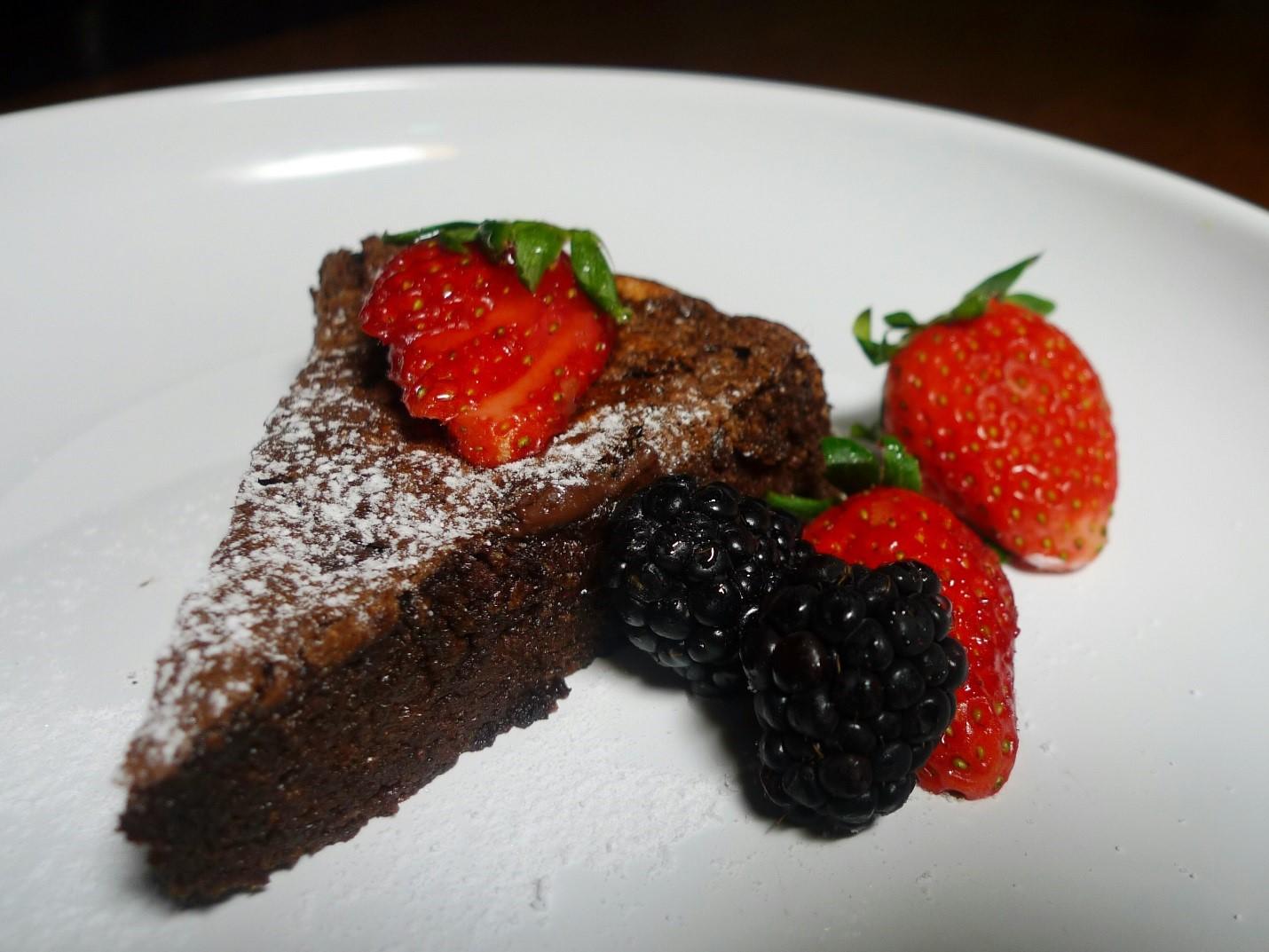 MAKING CANNABIS CHEESE CHOCOLATE CAKE