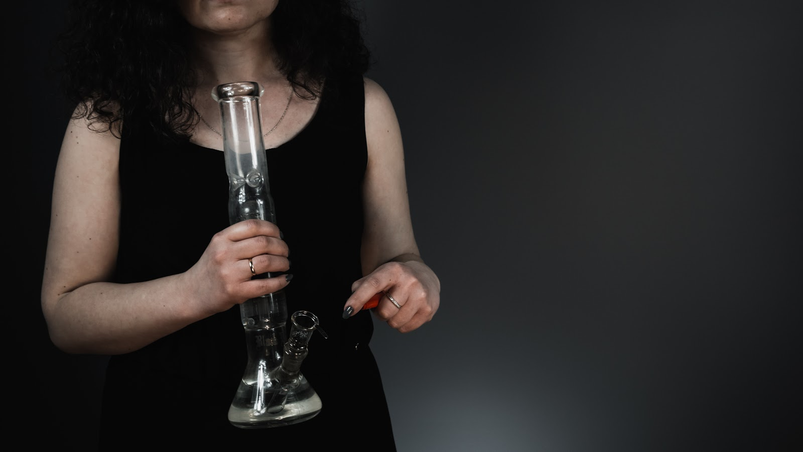8 Major Types of Bongs – Which One Strikes You